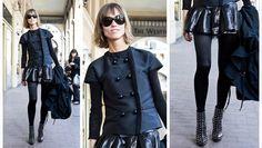 Le carré chic Le + : la jupe courte en cuir et les boots cloutées avec cette coupe de cheveux pour un total look chic et rock.