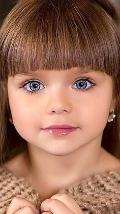 Children are the angels that God has given to the world. They are pure and beautiful, innocent and innocent. Most Beautiful Eyes, Beautiful Little Girls, Cute Little Girls, Beautiful Children, Beautiful Babies, Cute Kids Photography, Little Girl Models, Baby Eyes, Baby Girl Pictures