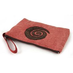 POCHETTE CREADE MARRONE/ROSSA  -  Pochette Creade 100% cotone. Colore marrone con aspirale rossa coordinata alla borsa Creade. Pochette con chiusura a zip.