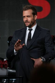 """Gabriel Macht (portraiting Harvey Specter in """"Suits"""") at the Television Critics Association Panel Gabriel Macht, Harvey Specter Suits, Suits Harvey, Suits Series, Suits Tv Shows, Suits Quotes, Suits Usa, Red Band Society, Hommes Sexy"""