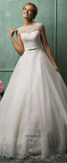 Vestidos de noivas para sonhar ( e para levar para a costureira adaptar para uma madrinha ou formanda).