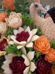 http://www.pinterest.com/justin13T/vegetable-sculptures/  Vegetables!!!!!