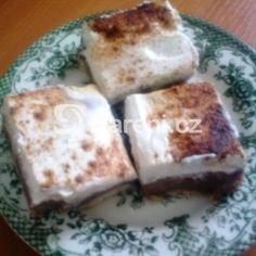 Fotografie receptu: Buchta s pudinkem a zakysanou smetanou Dairy, Behance, Cheese, Food, Recipes, Essen, Meals, Yemek, Eten