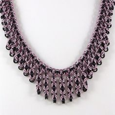 Collar rosado y negro de HCJewelrybyRose