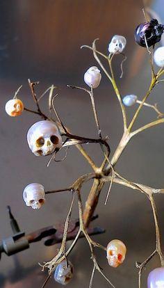 Tiny skulls made with minerals/crystals by SHINJI NAKABA