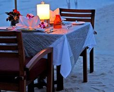 Romantic Table Decorations Ideas for Valentine's Day - click link for more ideas