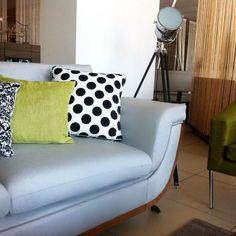 Diseños vanguardistas es lo que podrás encontrar en VIU#furniture #muebles #tendencias #furnituredesign #decor #mexico #salas #style #lifestyle #lamp #jalisco#guadalajara#gdl #puertovallarta #decoracion #tranquilidad #verde #homedecor #home #luxuriousdesign #lampara #viutienesquever by viutienesquever