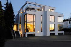 Doppelhaus im Bauhausstil: Anspruchsvolles Wohnen im städtischen Umfeld. Bauvorhaben von KASTELL Massivhaus