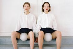 In his inspiring new series 'Identities' part I and II Istanbul-based photographer Can Dagarslani creates sensitive portraits of the two girls Sophie Bogdan and Marlene. Image Photography, Fashion Photography, Minimal Photography, Modern Photographers, All Black Everything, Two Girls, Photo Series, Vogue, Normcore