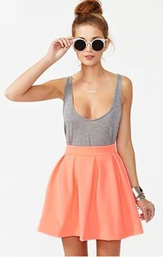 Super Cute summer outfit paired with the fun sunglasses. Grey tank and coral skirt love. Looks Street Style, Looks Style, Looks Cool, Look Fashion, Fashion Outfits, Womens Fashion, Fashion Trends, Fashion Styles, Grunge Outfits