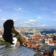 "8,298 Likes, 61 Comments - Sümeyye Coktan 💍 Onun Yari 💕 (@hijab_is_my_diamond_official) on Instagram: ""Ah Istanbul ❤️"""
