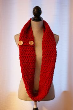 ROUGE foulard infini  rouge infini de par LesBijouxLibellule Holiday Gifts, Christmas Gifts, Cowl Scarf, Cowls, Infinity, Scarves, Etsy, Crochet, Red