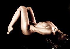 COME STIMOLARE IL PUNTO G. La stimolazione del punto g può essere molto piacevole e intensificare il piacere sessuale, ma deve esser fatta nel modo giusto, altrimenti si rischia di non percepire nessuna sensazione. In questo articolo troverete degli utili suggerimenti sia per lei sia per il partner. #ComeStimolarePuntoG #PuntoG #StimolazionePuntoG