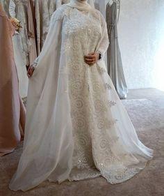 Ассаламу алейкум  Некоторые спрашивают есть ли у нас абаи на размер L есть, мои хорошие  Приходите, инша Аллах подберем вам красивый и достойный образ  P.S. на примерке наша невеста из Кизляра  ____________________________________ #абая #свадебнаяабая #никах #свадьба #платье #свадебноеплатье# #свадебныечемоданы #аксессуары #хиджаб #ислам #мусульманка #мусульманскаясвадьба #невеста #скидки #новинка #счастье #чечня #ингушетия #дагестан #грозный #нежность