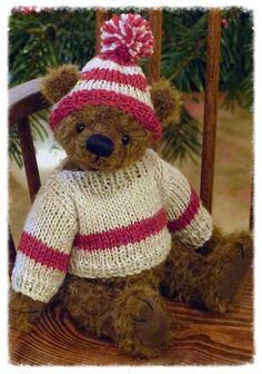 Bearing All 'Tucker' #teddybear #paulacarter #artistbears #teddy #teddies #winter #knits www.allbearbypaula.com