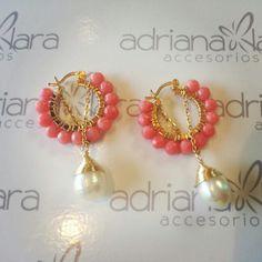 Arracada coral con perla