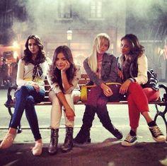Pretty Little Liars Season 4: Behind-the-Scenes Pics