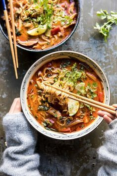 30 Minute Thai Peanut Chicken Ramen This 20 Minute Thai Peanut Chicken Ramen is for those nights when you need a cozy, healthy dinner, and you need it fast. All made in one pot Ramen Recipes, Asian Recipes, Chicken Recipes, Cooking Recipes, Healthy Recipes, Ethnic Recipes, Recipe Chicken, Thai Food Recipes, Spinach Recipes