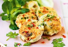 Thai-fiskekaker med chili og sitrongress   Tara.no