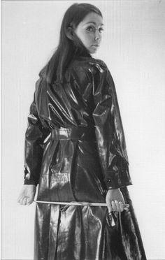 Vinyl Raincoat, Pvc Raincoat, Plastic Raincoat, Patent Trench Coats, Black Mac, Black White, Long Leather Coat, Equestrian Chic, Rubber Raincoats