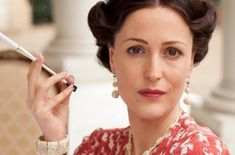 Gillian-Anderson-as-Wallis-Simpson-Movies-set-in-the-1910s-1920s-1930s-1940s.png (400×264)