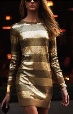 The perfect gold holiday cocktail dress. Casual yet super stylish