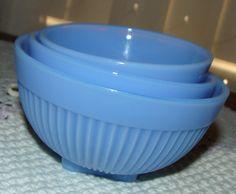 I have this set in regular jadeite! Antique Glassware, Vintage Kitchenware, Vintage Dishes, Vintage China, Vintage Pyrex, Blue Dishes, Glass Dishes, Glass Kitchen, Kitchen Ware