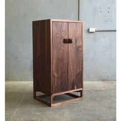 """2,081 Likes, 9 Comments - Australian Wood Review (@woodreview) on Instagram: """"@handkraftedco represents around 350 bespoke makers, including @christopherblank maker of this…"""""""