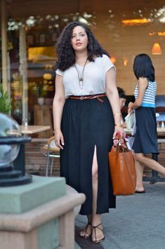Girl With Curves Source by girls outfits Style Outfits, Curvy Outfits, Mode Outfits, Fashion Outfits, Curvy Work Outfit, 50 Fashion, Fashion Styles, Trendy Fashion, Plus Size Fashion For Women