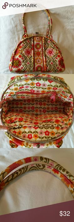 Vera Bradley Folkloric Eloise Clasp Purse Bag Lovely Vera Bradley bag, style Eloise in the Folkloric pattern. It is in good condition, with some tarnishing of the clasp and discoloration /dirt on straps (have not tried to clean). Vera Bradley Bags Shoulder Bags