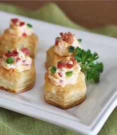 Bacon Pimento Cheese Puff Pastry Cups Use jalapeño pimento cheese. Can also use pastry sheets, cut into circles, bake & slice in two. Place cheese on bottom, top w/bacon & secure top w/toothpick. Finger Food Appetizers, Yummy Appetizers, Finger Foods, Appetizer Recipes, Tapas, Pepperidge Farm Puff Pastry, Cheese Puffs, Cooking Recipes, Pork Recipes
