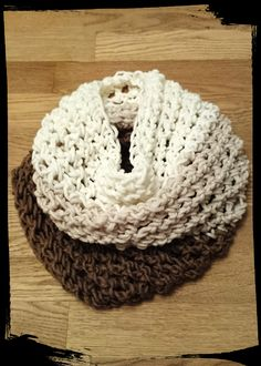 Kuschelschal für die kalte Jahreszeit - Finger gehäkelt Crochet, Fashion, Finger Crochet, Cuddling, Seasons, Homemade, Moda, Crochet Crop Top, Chrochet