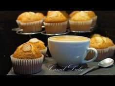 MAGDALENAS CASERAS RECETA MUY FÁCIL - YouTube Mini Cupcakes, Cupcake Cakes, Cake Pops, Breakfast Muffins, Pumpkin Spice, Cake Recipes, Bakery, Tasty, Sweets