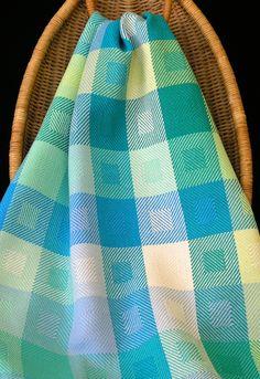 Handwoven towel by Carol R Johnson photo by Aimee Radman Serviettes,  Vaisselle, Tissage, a507686be1a
