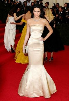 Kendall Jenner - Red Carpet Arrivals at the Met Gala — Part 2