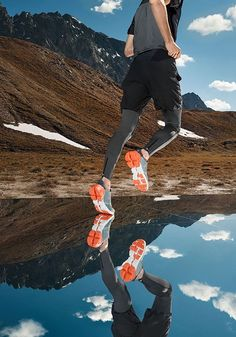 #cloudflyer #onrunning #on #running #laufschuh #running #shoe #runningshoe Running Shoes, Training, Clouds, Schaum, Grey, Products, Technology, Half Marathons, Mens Running Trainers