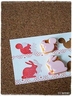 消しゴムはんこ・ゴム版はんこ   terkepi blog Stamp Printing, Screen Printing, Business For Kids, Hand Carved, Stencils, Cool Designs, Greeting Cards, Carving, Easter