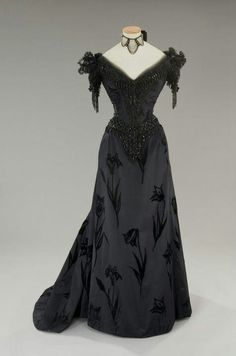 fripperiesandfobs: Costume designed by Piero...