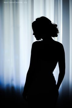 Budiour Photography, Silhouette Photography, Shadow Photography, Self Portrait Photography, Fotografia Tutorial, Shadow Photos, Foto Pose, Image Hd, Photoshoot Inspiration