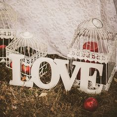 Letras en Madera Christmas Bulbs, Holiday Decor, Home Decor, Wooden Letters, Decoration Home, Christmas Light Bulbs, Room Decor, Home Interior Design, Home Decoration