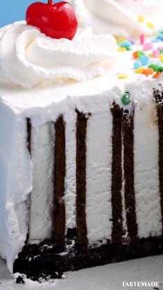 Frozen Desserts, Sweet Desserts, Sweet Recipes, Ice Cream, Cream Cake, Tastemade Recipes, Fun Baking Recipes, Birthday Cake, Yummy Food