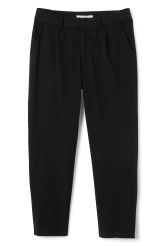 <p>TheAstor Trousers have a relaxed fit with a slightly tapered leg, two slanted side pockets in frontand two back pockets. We think thesecotton trousers have aversatile look,easy to dressup or down.</p><p>-Size 50 measure 87 cm around waist and70 cm inseam. </p>