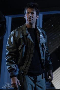 Stargate Atlantis 03x01: No Man's land