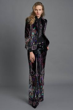 http://www.vogue.com/fashion-shows/pre-fall-2017/roberto-cavalli/slideshow/collection