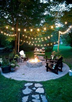 Backyard fire pit ideas diy patio Ideas for 2019 Backyard Seating, Backyard Patio Designs, Fire Pit Backyard, Diy Patio, Backyard Ideas On A Budget, Diy Fire Pit, Fire Pit Decor, Lights In Backyard, Backyard Lighting