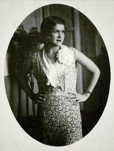 """Josefina de la Torre. Poeta, actriz, guionista, ayudante de dirección, la voz insular de la Generación del 27. (Art. de Alicia Mederos, para """"Las Sinsombrero"""")."""