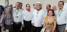 En el Palacio de Convenciones de Zacatecas y en presencia del gobernador Miguel Alejandro Alonso Reyes, el gobernador Javier Duarte de Ochoa recibió la sede de la 79 Asamblea, a realizarse en Veracruz en 2015.