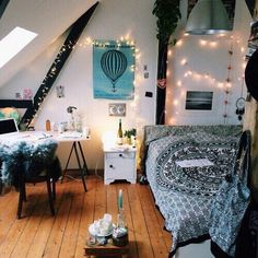 alt, alternative, bedroom, deco, decoration, girly room, girly things, hipster, indie, inspiration, light, lights, room, room ideas, rooms