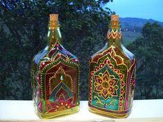 Wine Bottle Art, Diy Bottle, Wine Bottle Crafts, Jar Crafts, Diy And Crafts, Painting Glass Jars, Glass Painting Designs, Dot Art Painting, Bottle Painting