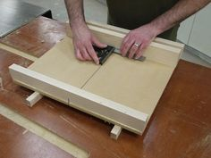 Build a Super-Precise Tablesaw Crosscut Sled - Fine Woodworking
